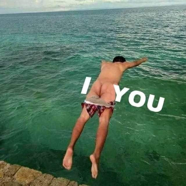I love you: Man jumping into the sea with his ass looks like a heart shape